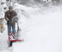 6 snow blower maintenance tips